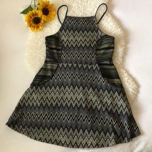 Topshop geometric pocket dress 🖤